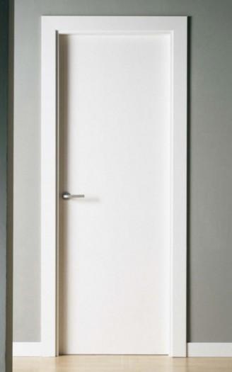 Puerta lacada en blanco serie lisa pc 50 - Puertas lisas blancas ...